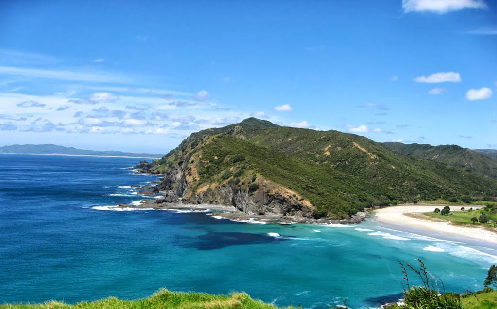 Places to visit in New Zealand-Taputopotu-Bay-Cape-Reinga
