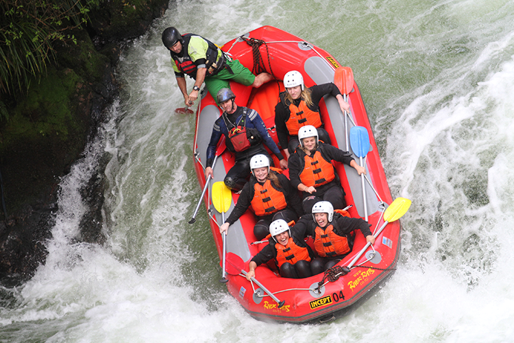white-water-rafting-rotorua-adventure-itineraries