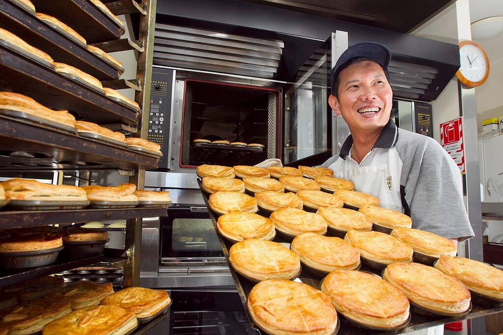 patricks-pies-rotorua-what-to-eat