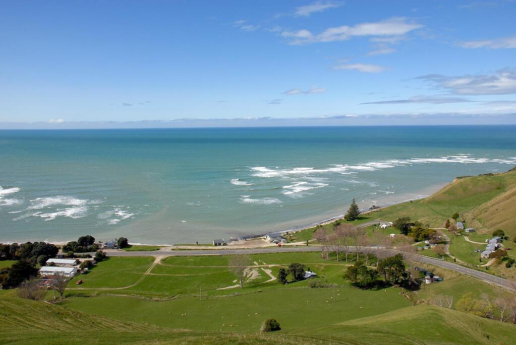 tataupori-bay-road-trips-in-nz