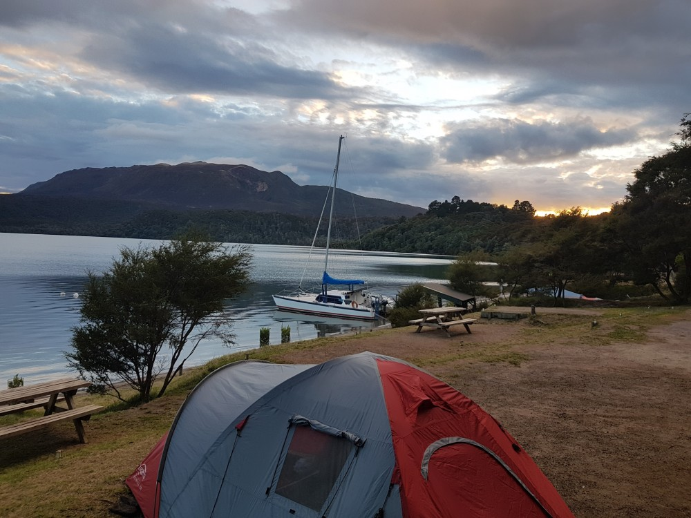 Lake Tarawere camp ground - Where to camp in Rotorua